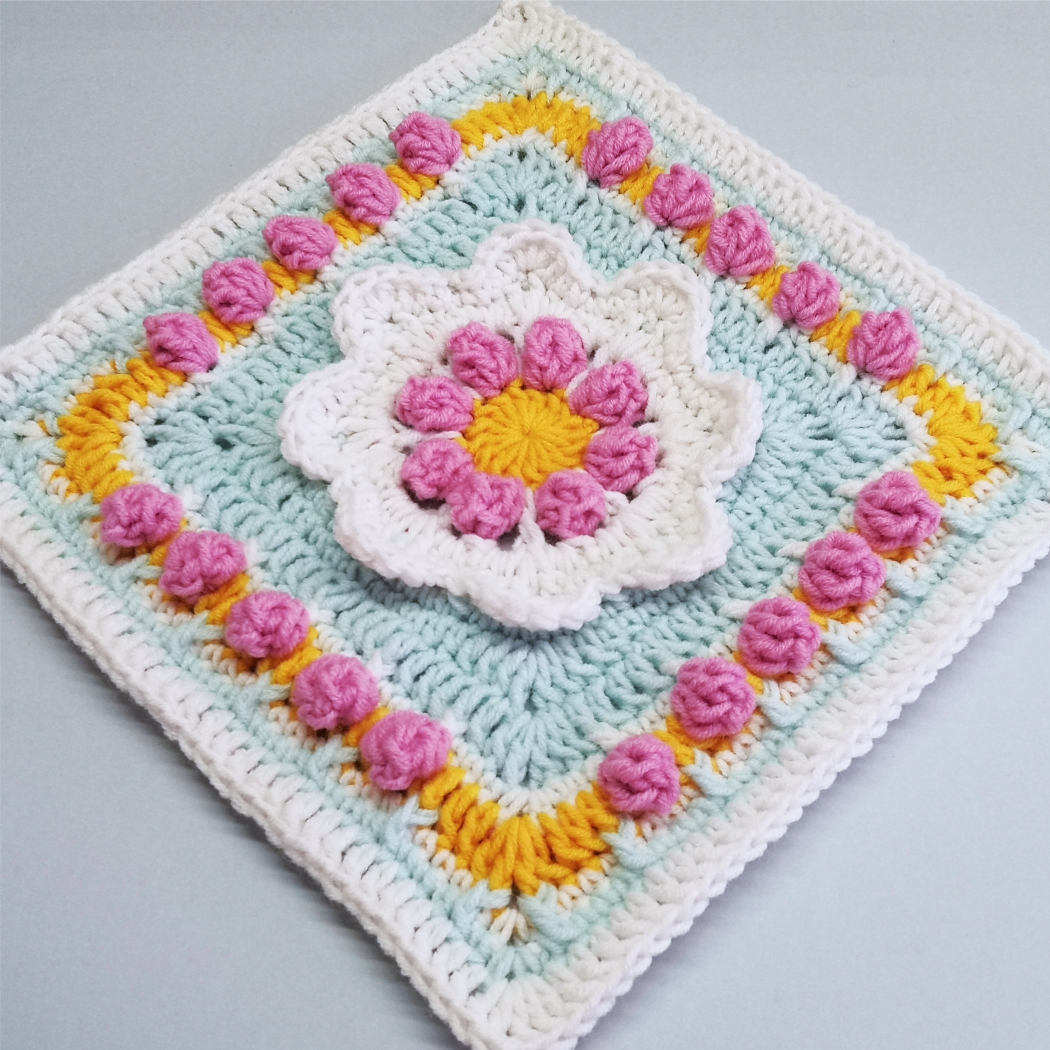 Read more about the article Floral afghan block