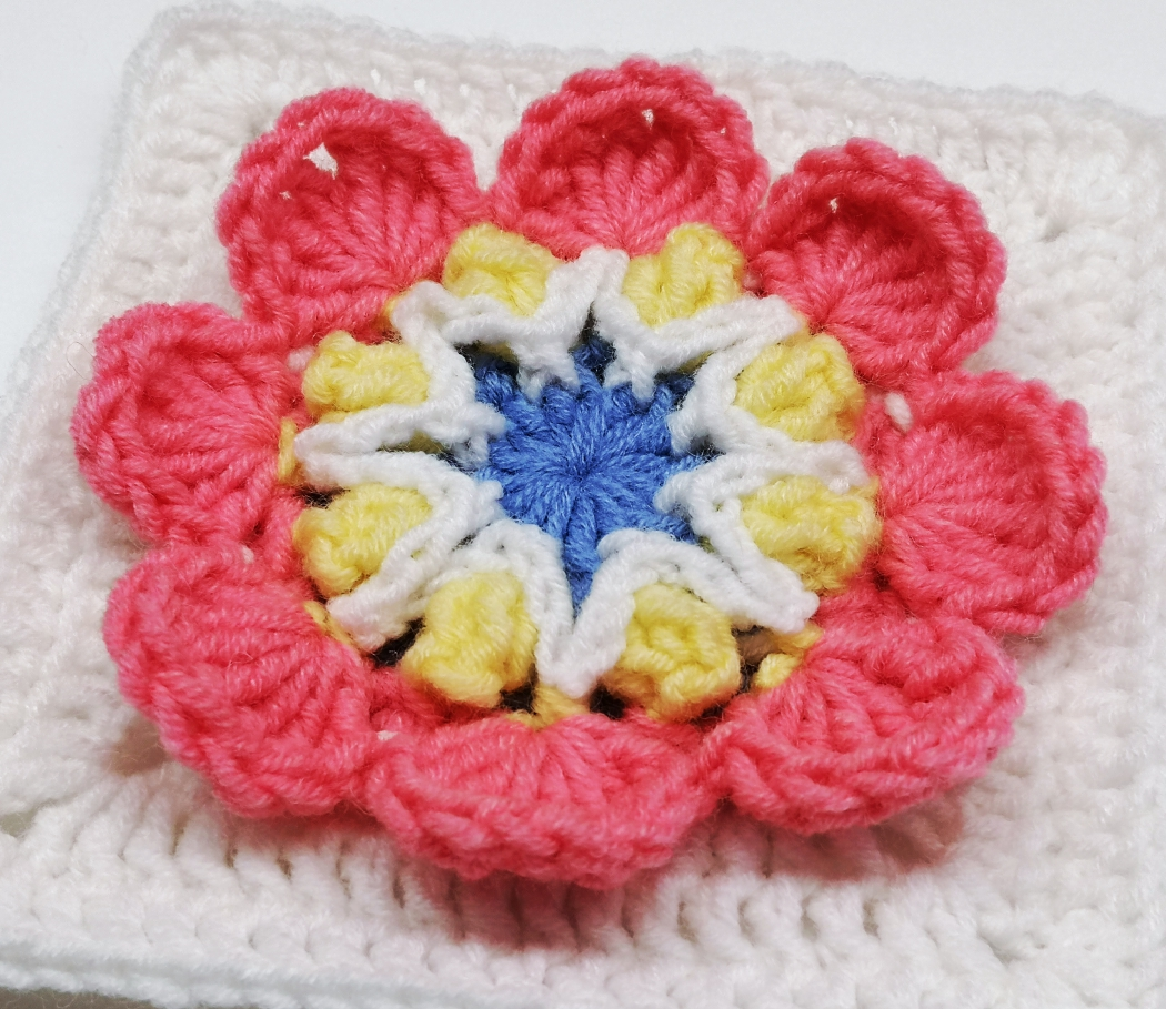 You are currently viewing Crochet granny square with 3D flower for Baby girl blanket / Crochet Motif #59