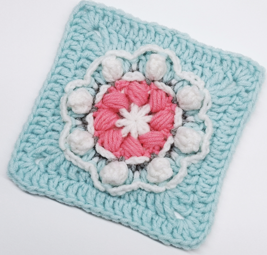 Read more about the article Crochet granny square with 3D flower pattern / Crochet Motif #71