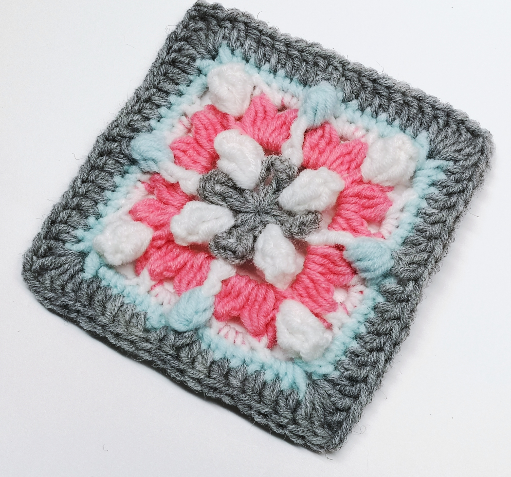 Read more about the article Crochet granny square pattern / Crochet Motif #72