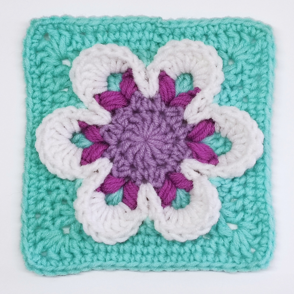 You are currently viewing 3D flower crochet granny square pattern / Crochet Motif #2