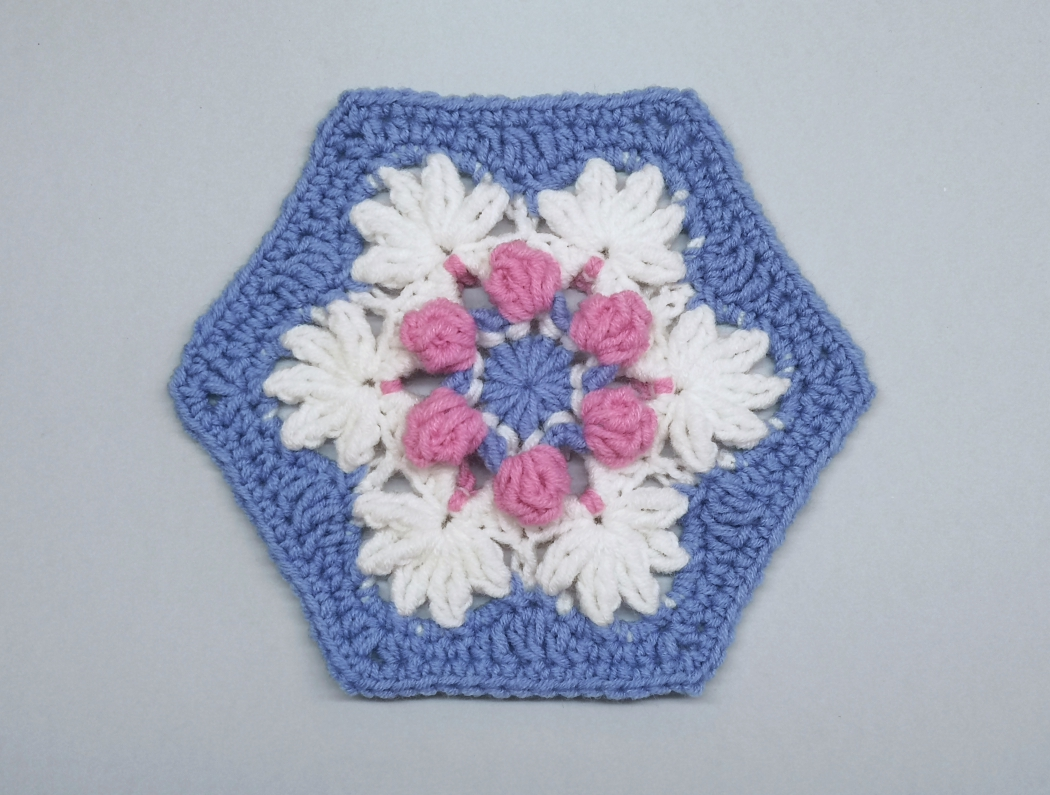 Read more about the article Crochet Hexagon Pattern with Snowflake